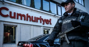 645x344-police-launches-investigation-on-cumhuriyet-daily-over-terror-support-charges-1477902439055